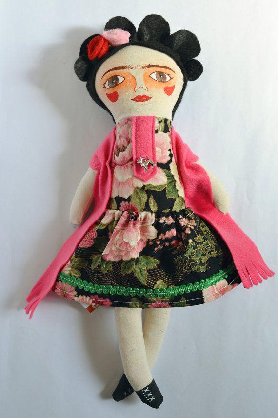 Frida Muñeca de tela / Cloth doll / Handmade por Mandarinasdetela