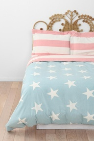 I love the headboard and how the American flag is so washed out and it complements everything!