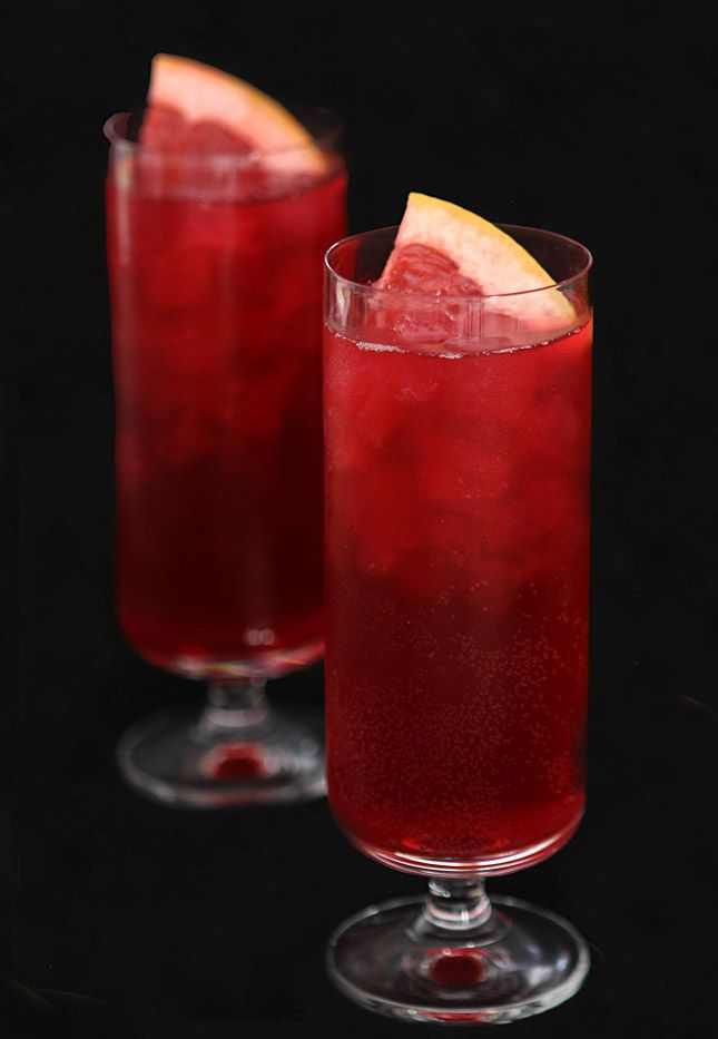 Sparkling Blood Orange and Pomegranate Halloween Punch | Creative-Culinary.com