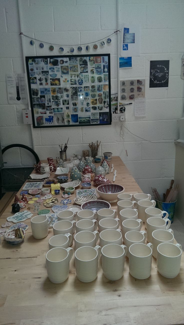 student work and a few mugs from a commission :)