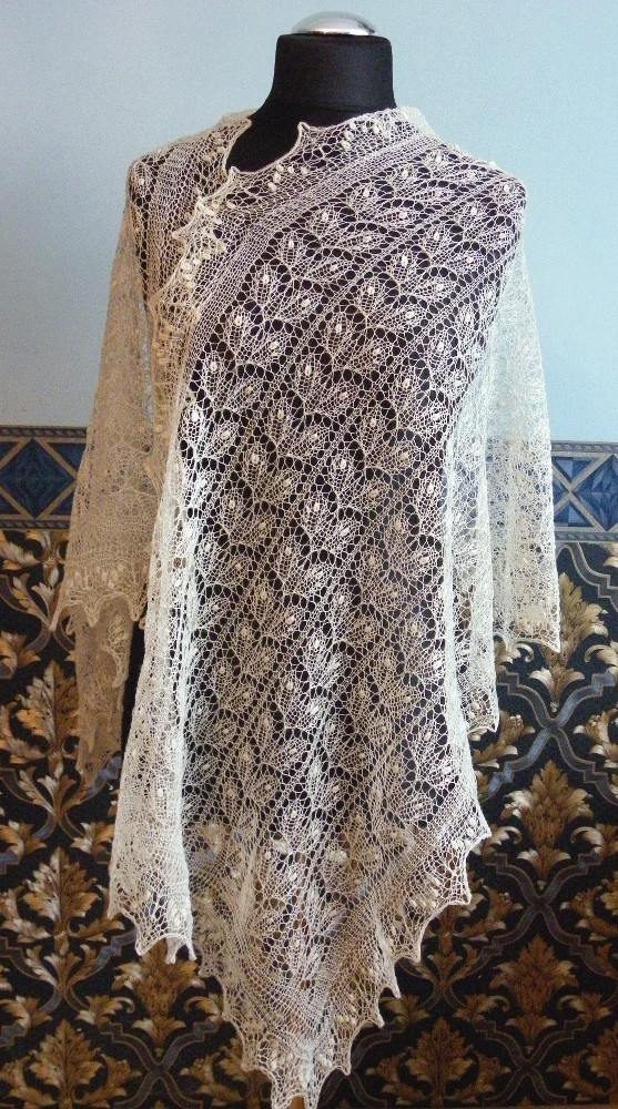 I'm determined to make one of these gorgeous, ethereal shawls from Estonia this summer!