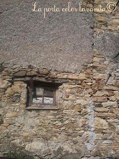La Porta Color Lavanda: Latte e antichi ricordi.