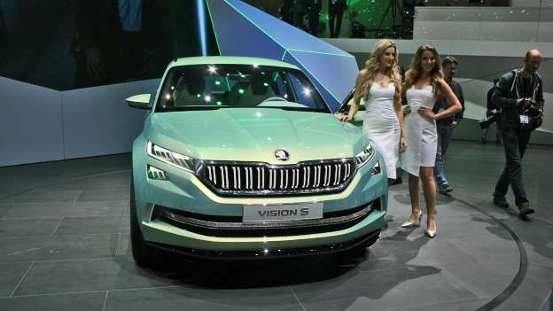 There's already a great deal of interest in the idea of a six-seat plug-in hybrid Skoda SUV, with th... - Newspress