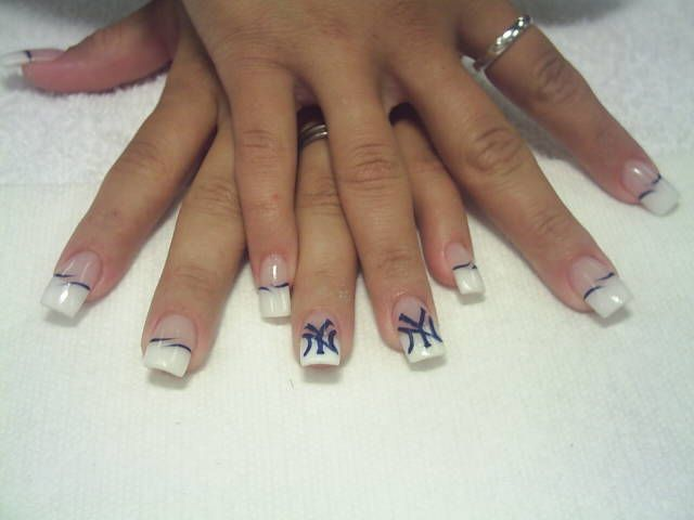 NY Yankees french manicure