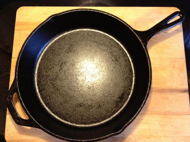 Derek on Cast Iron - Cast Iron Recipes: Equipment: Large Cast Iron Skillet