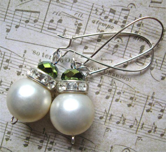 simple vintage pearl drop