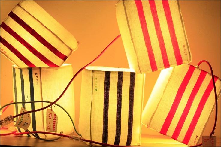 Lampe KUB, 100% fait main par PcMcréation - Photo de José Nicolas