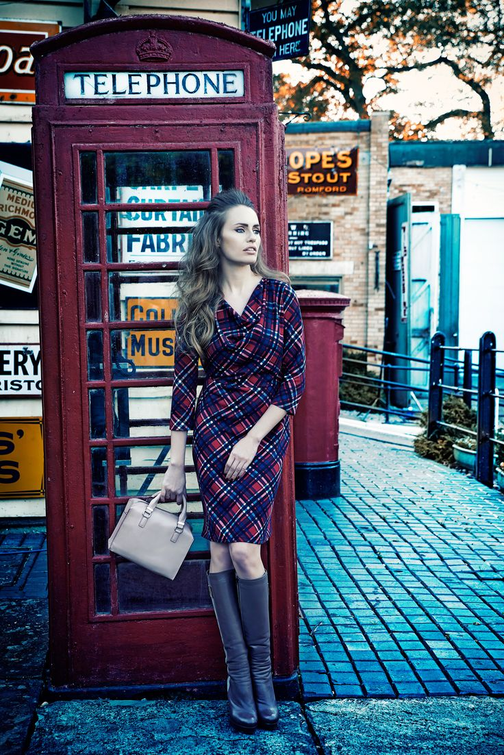Sesja kolekcji QUIOSQUE na sezon jesień-zima 2014/2015, photo: Kajus W. Pyrz #QSQ #photography #photo #retro #vintage #england #greatbritain #fashion #inspiration #autumn #fall #look #outfit #women #beauty #style #casual #elegance #vintage #oldschool #star