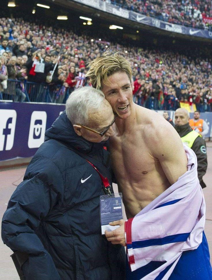 Торрес отпраздновал юбилейный гол с человеком, который посоветовал его «Атлетико»
