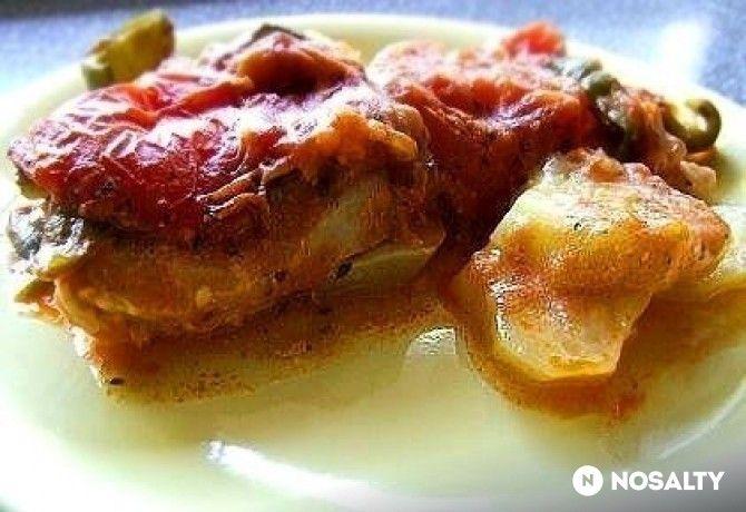 Cukkinivel és burgonyával egybesült csirke