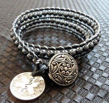 Onee of the great (and fashionable!) medical alert bracelets that Couture Alert has to offer.