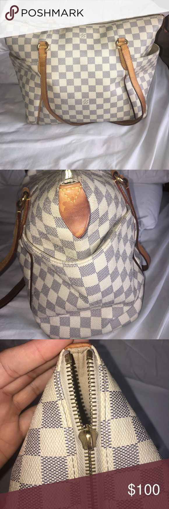 Authentic Louis Vuitton Bag 100% Authentic. Zipper broke off but you are still able to zip it. Has some wear as this is pretty old. See pics and let me know if you have any questions. Louis Vuitton Bags