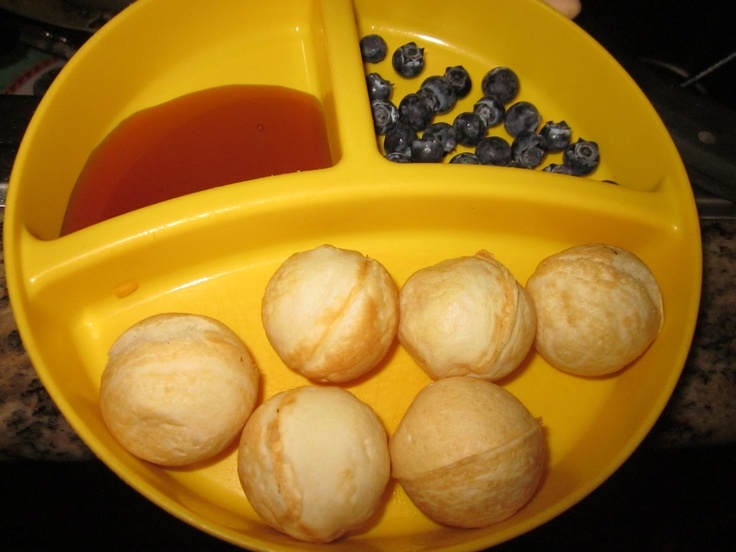 Pancake puffs using your babycake cake pop maker! - We like using blueberry pancake mix but the munchkin loves them & it's easy to send the husband off with!