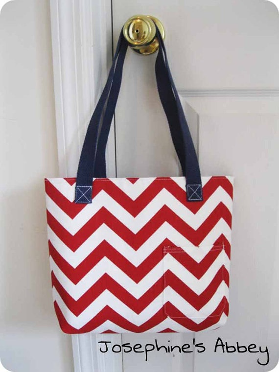 Red, white, and blue tote!    #chevron