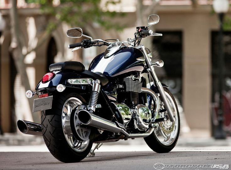 1000 ideas about triumph thunderbird 1600 on pinterest. Black Bedroom Furniture Sets. Home Design Ideas