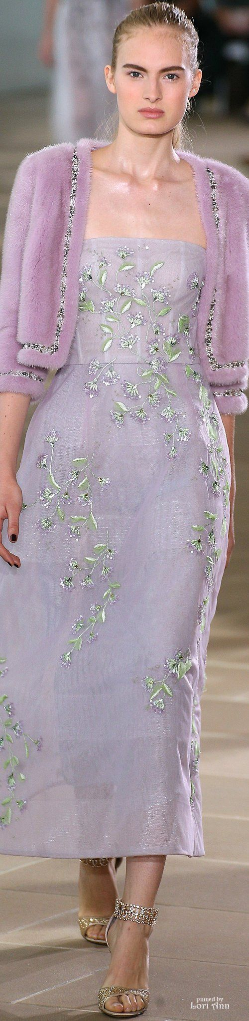 Monique Lhuillier Spring 2017 RTW                                                                                                                                                                                 More