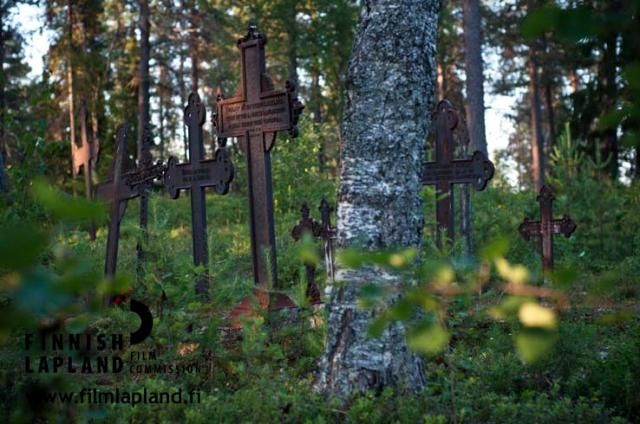 Old graveyard in the municipality of Posio, Finnish Lapland. Photo by Jani Kärppä. #filmlapland #finlandlapland #arcticshooting