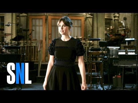 SNL Host Felicity Jones' Team Is a Bunch of Troopers - YouTube