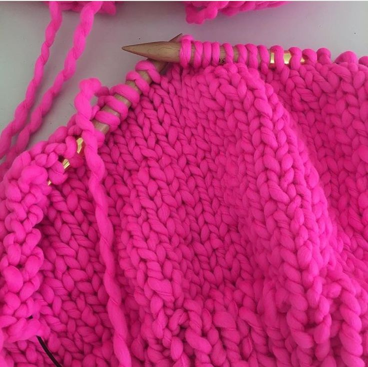 work in process - SPICY HOT PINK - Loopy Mango - amazing yarn !!!! - her sweater - short - classic simple style with neck - turtleneck