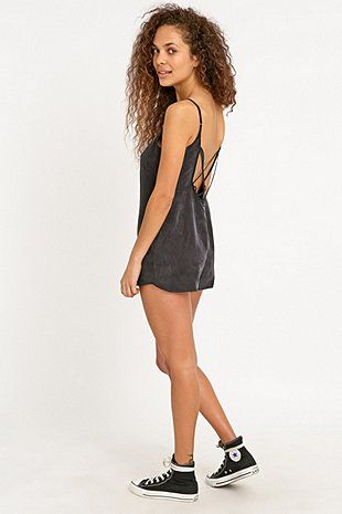 """Obey – Kurzoverall """"Risky Business"""" in Schwarz - Urban Outfitters"""