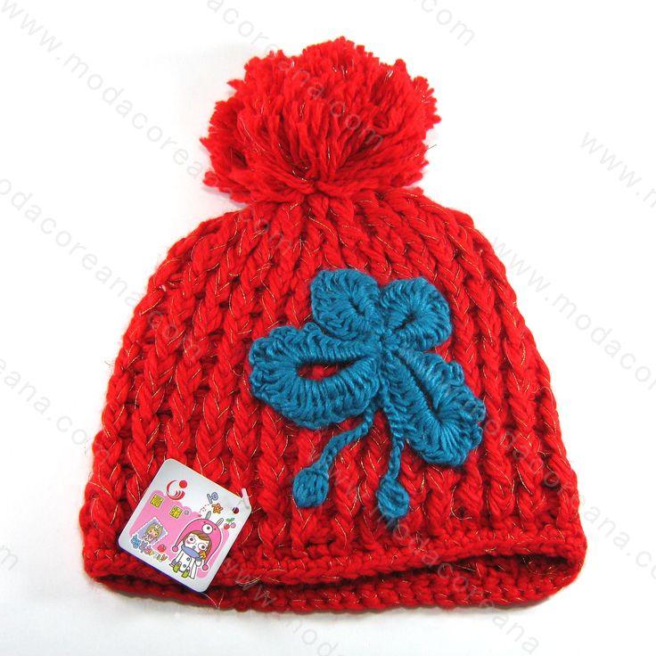 ¿Hola como están unnies? =D Para celebrar este #FelizFin traemos descuentos para ustedes iniciando con esta gorra ideal para completar su oufit y verse finalmente como #ulzzang coreana.  El descuento es valido al comprar en los siguientes enlaces.  Se acepta Mercadopago: http://www.modacoreana.com/gorra-tejida-crochet-pompom-color-rojo-con-azul-94897570xJM  Envíos económicos e internacionales: https://www.kichink.com/buy/1033371/modacoreana/gorra-tejida-crochet-pompom-color-rojo-con-azul