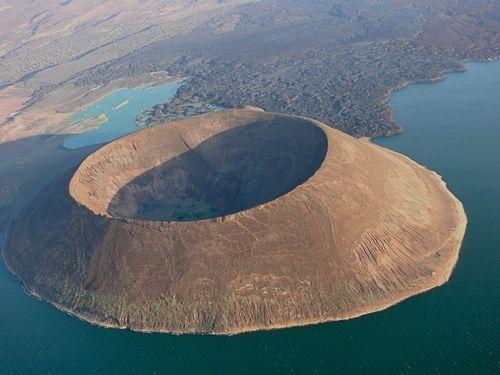Lake Turkana, Kenya. http://www.worldheritagesite.org/sites/sibiloicentralisland.html