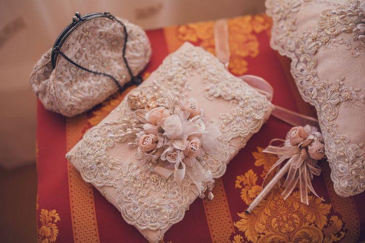 Romantic Victorian Wedding  Bride's Accessories Photo Credits: Vlad Gherman Photography