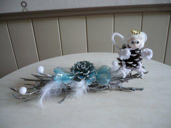 Bricolage pour noel n 3 un ange en pomme de pin sur un - Bricolage noel pomme de pin ...