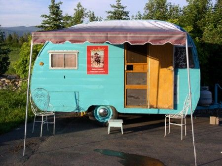 Sisters on the Fly is a group of nearly 1,000 women from around the U.S. who own and restore vintage camping trailers 50-s-retro