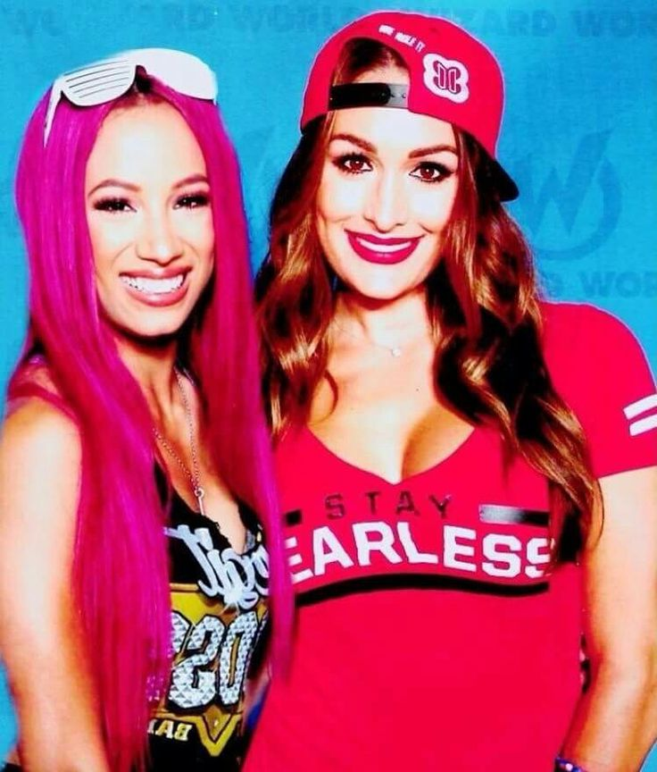 Sasha Banks & Nikki Bella