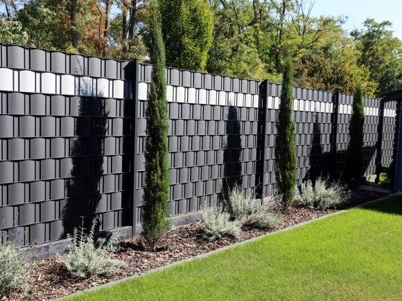 Pin Von Vanina Fiebig Auf Garten Gartengestaltung Garten Landschaftsbau Sichtschutzzaun Garten