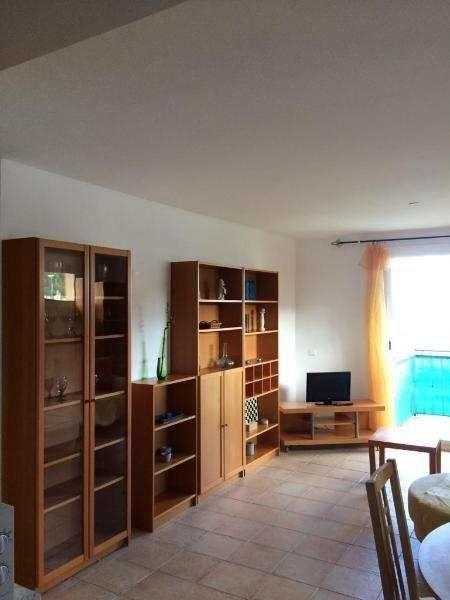 Komplett ausgestattete 90m² 4-Zimmer-Wohnung mit Balkon: Wohnung in Capdepera, oberhalb von Cala Ratjada, mit 3 Schlafzimmern und 2 Bädern. Gepflegte, komplett ausgestattete...