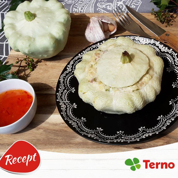 Patizón je zaujímavá zelenina, ktorú by ste sa určite nemali báť vyskúšať. Napríklad plnený bryndzou a zapečený v rúre vám určite bude chutiť! :) http://bit.ly/2abMkhA