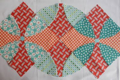 """Flowering Snowball"" quilt block, love the options you have when piecing it together..."