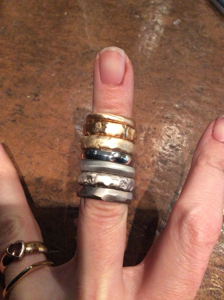 A finger full of Baroque wedding rings in 18ct and platinum