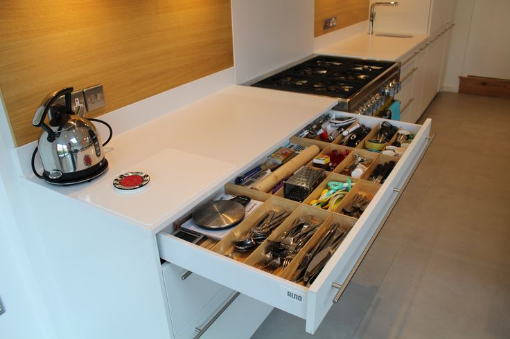 ALNO wooden drawer dividers are perfect for organising your kitchen drawers.