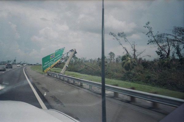 Hurricane Charley Damage Photos   Storm Damage: Florida storm damage from Hurricane Charley in Arcadia ...