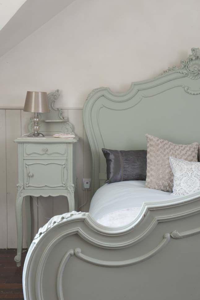 vinatge-pastel-home-16-pastel-green-bedroom