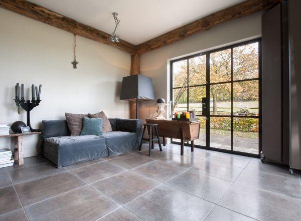 Kalksteen vloer Gris Foussana via Kersbergen natuursteenvloeren #landelijk #interieur