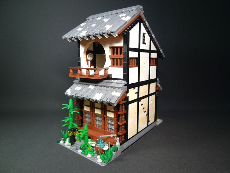 Japanese style (I think?) Lego house.