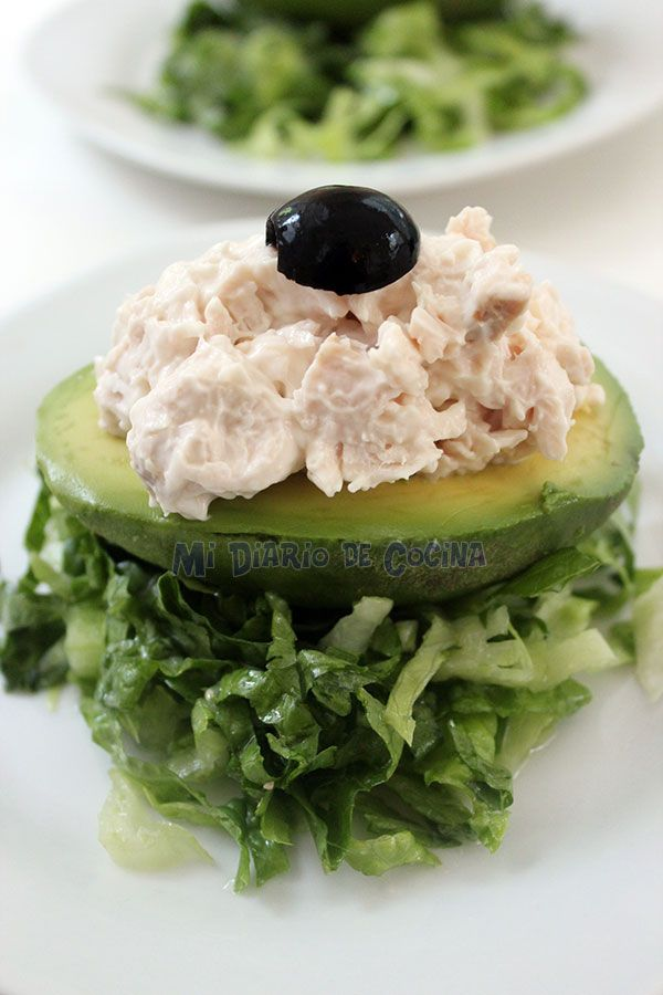 Palta Reina / Avocado stuffed with tuna or chicken