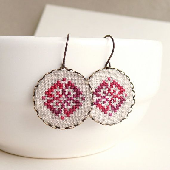 Cross stitch earrings Ethnic ornament in melange red by skrynka