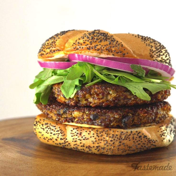 If you've never been keen on quinoa, this cheesy burger may convert you. Satisfy your burger cravings with this cheesy quinoa burger.