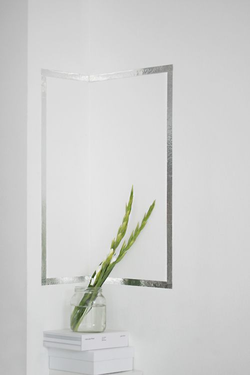 Line my bath mirror with silver washi and instant frame :)