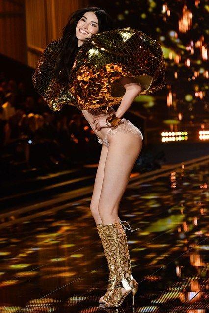 Sui He - Victoria's Secret Fashion Show 2014