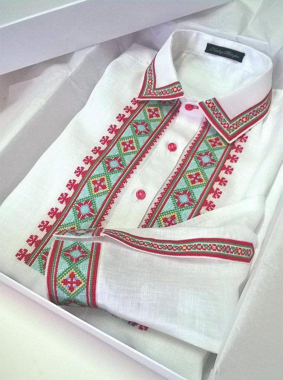 Ukrainian vyshyvanka. Men's embroidered shirt. 100% linen.