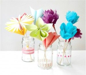 Enchanting Craft Inspiration For Mother's Day DIY Paper Flower Bouquet With Lots Of Flowers And Glass Jar