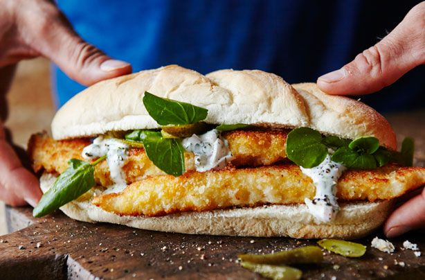 Joe Wicks' fish finger sandwich is another great Body Coach recipe that you can make in no time. This Joe Wicks' fish finger sandwich serves two people, but you can easily double up the quantities if you're feeding more people. It will only take you around 15 mins to prepare this fish finger sandwich and another 10 mins to cook them, so you can have dinner ready to be eaten on the table in just 25 mins - from scratch! If you want a lighter meal, you can still use this recipe to make the fish…
