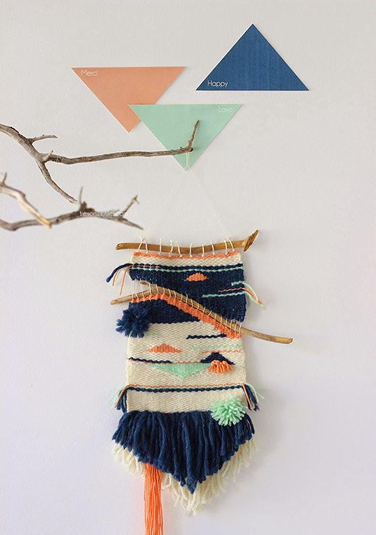 En los últimos meses Pinterest se ha llenado de decoración con telares , y poco a poco estos se han colado también en nuestros tableros ide...