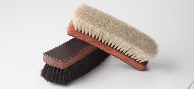 Leather-Backed Large Shoemaker Polishing Brush by La Cordonnerie Anglaise